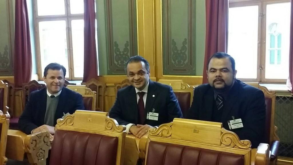 Roberto de Lucena, o  deputado Leonardo Quintão e  O Dr Uziel, da ANAJURE, no Parlamento da Noruega