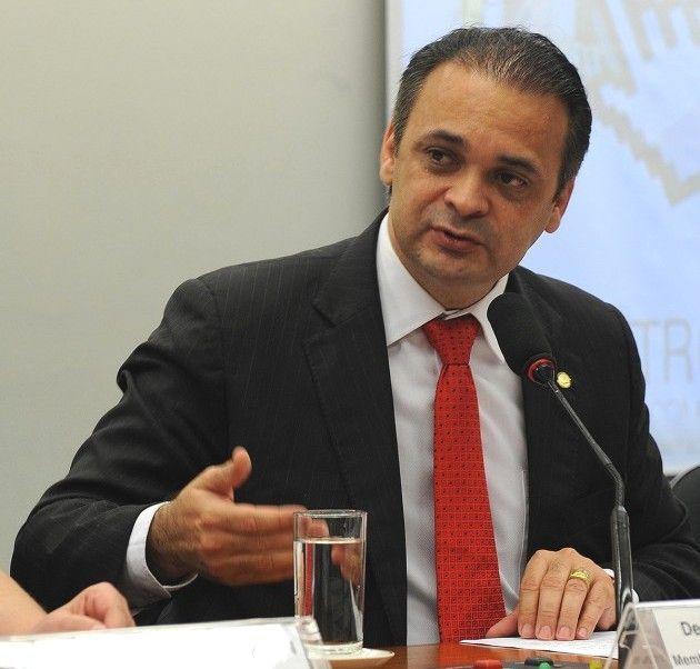 Roberto de Lucena assume a pasta estadual de Turismo