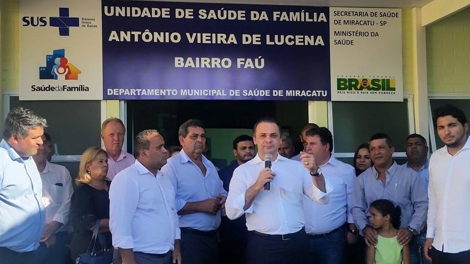Roberto de Lucena na entrega da USF Antonio Vieira de Lucena
