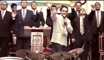 Roberto de Lucena pregando, em 1998
