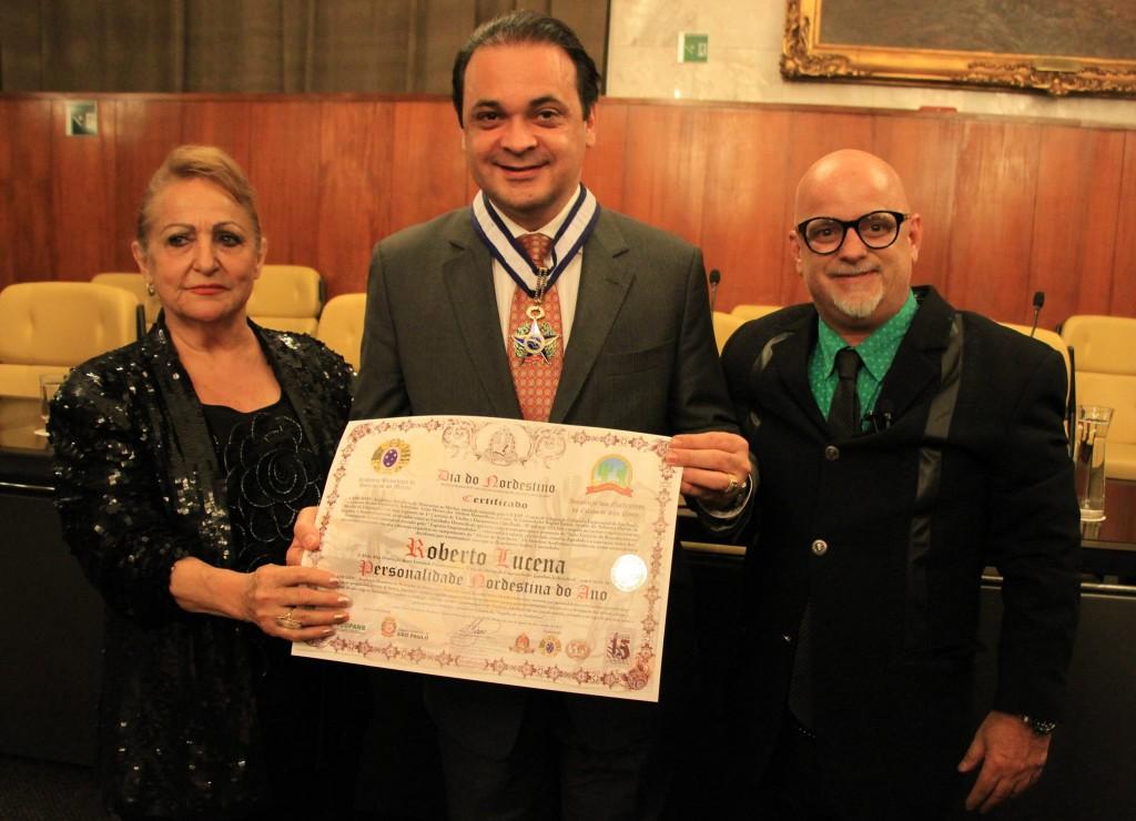 Roberto de Lucena recebe a homenagem
