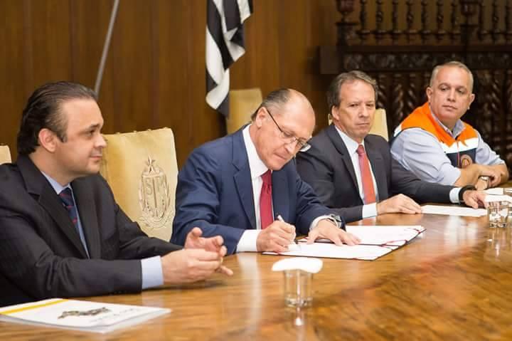 Governador Alckim e secretário Lucena assinam convênios que fomentam o turismo em cinco estâncias