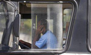 motorista-ao-celular